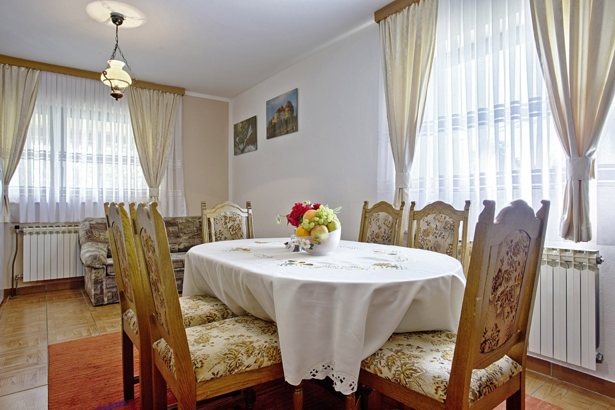alen in poljanak ferienwohnung plitvicer seen kroatien i d riva tours. Black Bedroom Furniture Sets. Home Design Ideas